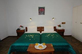 hotel-skopelos-01